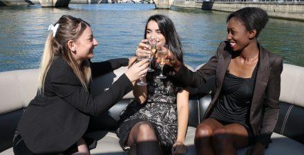 Enterrement de vie de jeune fille original sur la Seine